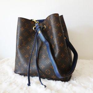 Louis Vuitton 10 x 9 x 11 Blue